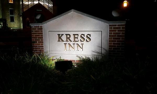 Gebäudebezeichnung Kress Inn Hotel
